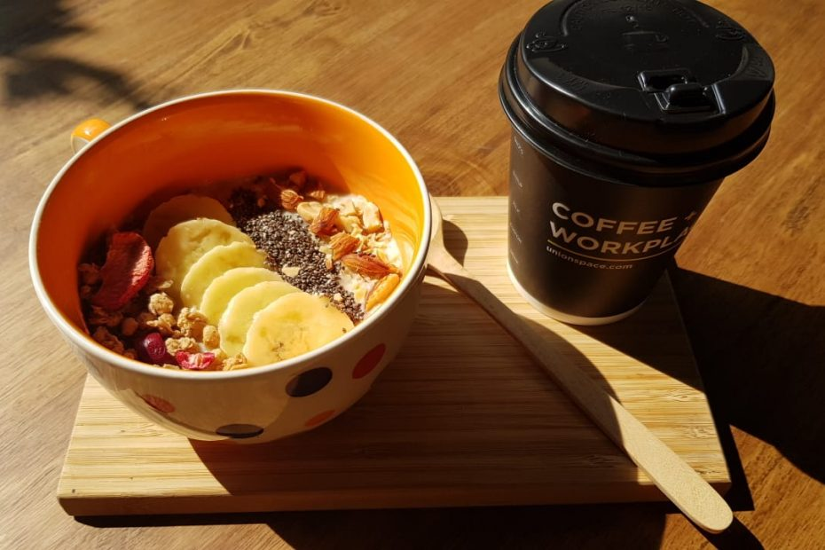 Banana and Nuts Oatmeal Bowl